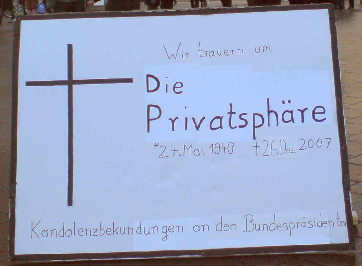 Demo gegen Vorratsdatenspeicherung Trauermarsch Hamburg Traueranzeige